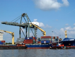 Xuất khẩu cả năm có thể đạt trên 132 tỷ USD