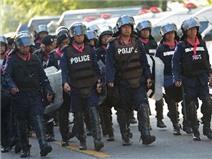 Thái Lan căng thẳng, Thủ tướng Yingluck được hộ tống đến địa điểm bí mật