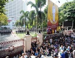 Vì sao người Thái ròng rã biểu tình