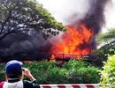 Cháy rụi xưởng sản xuất dây nịt quận Tân Phú, TPHCM