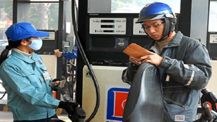 Xăng tăng giá 7% doanh nghiệp được tự quyết giống như điện?