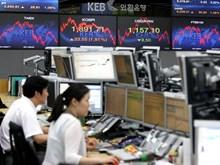 Chứng khoán châu Á thận trọng nhích lên phiên đầu tuần