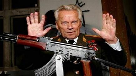 'Huyền thoại' súng tiểu liên AK-47 qua đời ở tuổi 94