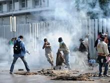 Biểu tình tại Thái Lan, một cảnh sát thiệt mạng