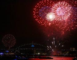 Sydney rực sáng trong pháo hoa mừng năm mới 2014