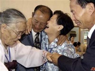 Hàn Quốc kêu gọi nối lại việc đoàn tụ gia đình bị ly tán
