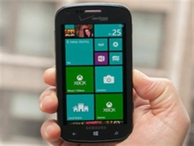 Samsung sắp tung phablet Windows Phone 8
