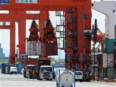 Nhật Bản thâm hụt thương mại kỷ lục trong năm 2013