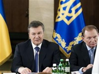 Tổng thống Ukraine đổ bệnh giữa lúc nước sôi lửa bỏng