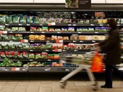 Lạm phát ở Anh giảm xuống mức thấp nhất trong 4 năm