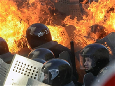 Ukraine giằng xé giữa EU và Nga