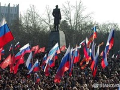 Ukraine: Biểu tình lớn ủng hộ Crimea sáp nhập vào Nga