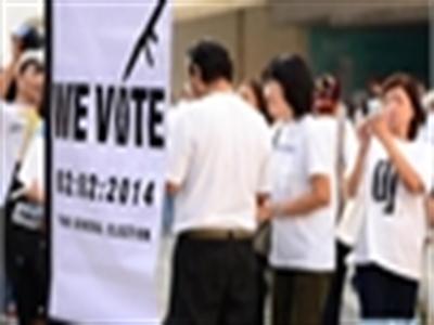Người dân Thái lặng lẽ đi bầu cử