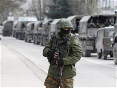 Binh sĩ Ukraine đồng loạt từ bỏ đội ngũ, giao nộp vũ khí
