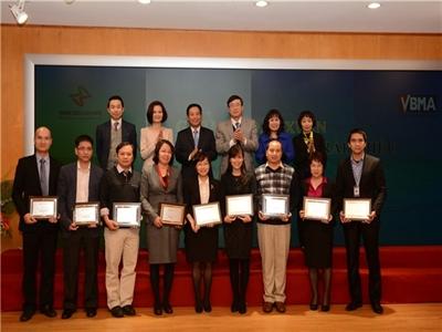 Sở Giao dịch CK Hà Nội vinh danh VCBS là một trong Top 10 thành viên tiêu biểu của thị trường Trái phiếu Chính phủ