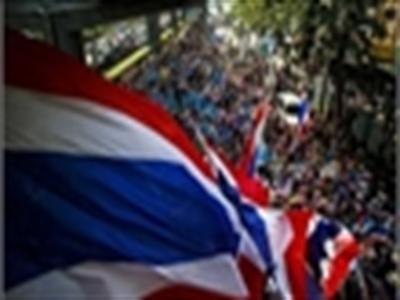 Bangkok lại tràn ngập biểu tình