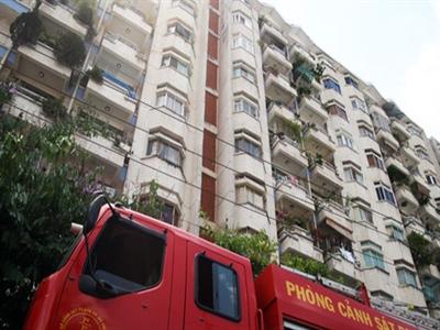 Cháy chung cư ở trung tâm Sài Gòn, hàng trăm người tháo chạy