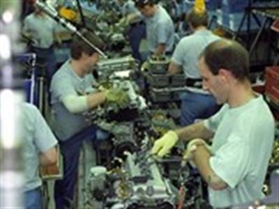 Ngành dịch vụ và chế tạo của Anh có dấu hiệu giảm tốc