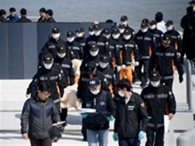 Số người chết trong vụ chìm phà ở Hàn Quốc lên 80 người