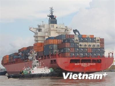 Tàu 54.000 DWT cập Cảng container Sài Gòn qua luồng Soài Rạp