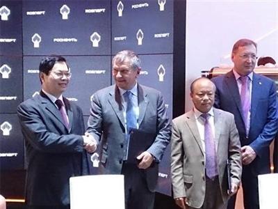 Việt Nam và Nga ký thỏa thuận thăm dò dầu mỏ