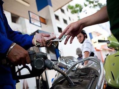 Khẩn trương hoàn thiện dự thảo Nghị định về kinh doanh xăng dầu