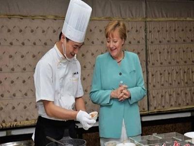 Thủ tướng Đức đi chợ ở Trung Quốc