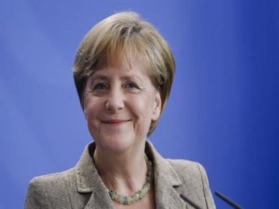 Phóng viên bất ngờ hát mừng sinh nhật Thủ tướng Merkel