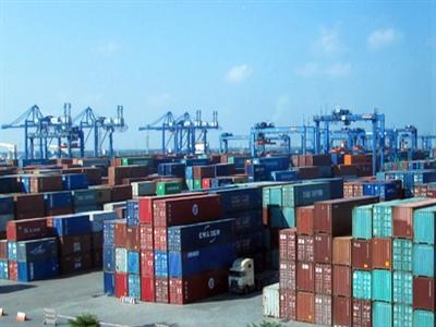 Cảng lớn nhất Việt Nam quá tải trầm trọng