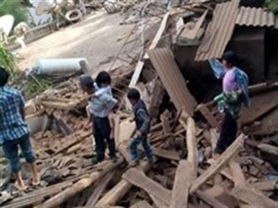Động đất Trung Quốc: 367 người thiệt mạng, 12.000 nhà đổ sập