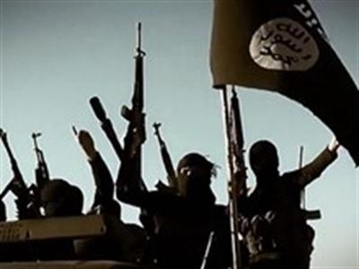 IS chiếm thị trấn Cơ Đốc giáo lớn nhất Iraq và doanh trại ở Syria