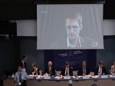 Snowden được gia hạn cư trú tại Nga thêm 3 năm