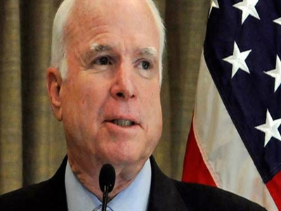 Thượng nghị sĩ Mỹ John McCain đến Việt Nam bàn an ninh khu vực