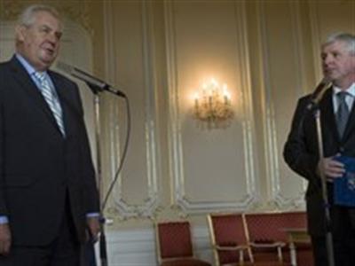 Tổng thống Séc phản đối trừng phạt Nga, yêu cầu EU bồi thường