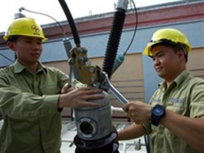EVN nâng phụ tải điện cho nhiều khu vực tại thủ đô Hà Nội