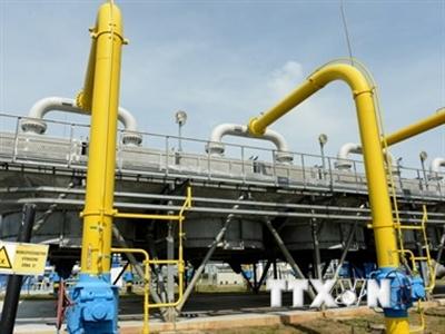 Ukraine chấp nhận mức giá khí đốt 385 USD Nga đưa ra