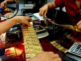 Giao dịch vàng sáng nay chủ yếu doanh nghiệp bán ra