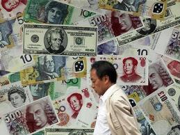 Các ngân hàng trung ương bán tháo tiền thị trường mới nổi