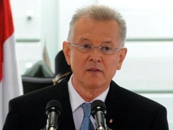 Tổng thống Hungary bị kêu gọi từ chức vì đạo văn