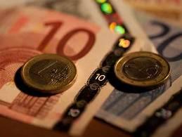 Euro có quý tăng mạnh nhất so với yên trong 11 năm