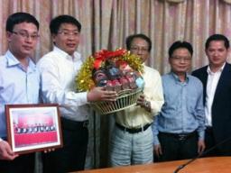 VietinBank sắp ký hợp đồng tín dụng giữa chi nhánh Lào và Unitel