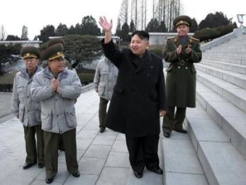 Kim Jong-Un thăm đơn vị hải quân giữa lúc căng thẳng gia tăng