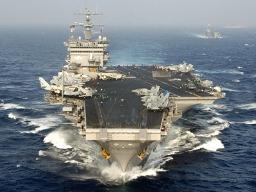 Mỹ điều tàu sân bay thứ 2 đến vùng Vịnh