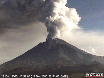 Mexico ban bố lệnh khẩn cấp do núi lửa hoạt động mạnh