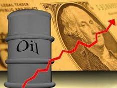 Giá dầu thô tiếp tục tăng sau thông tin tốt về kinh tế Mỹ