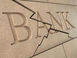 Ngân hàng Mỹ vẫn tiếp tục phá sản