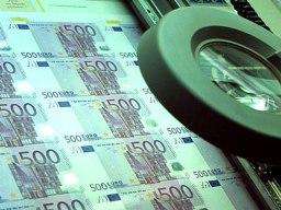 ECB sẽ in thêm tiền sau bầu cử Hy Lạp?