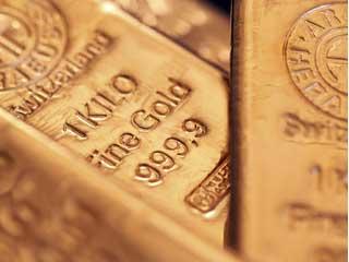 Giá vàng thấp nhất 4 tháng, USD tăng giá do mối lo châu Âu