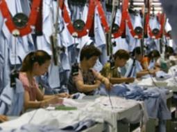Sản lượng công nghiệp Trung Quốc tăng thấp nhất 3 năm