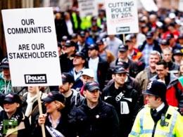 Hàng trăm nghìn công nhân Anh biểu tình phản đối cải cách hưu trí